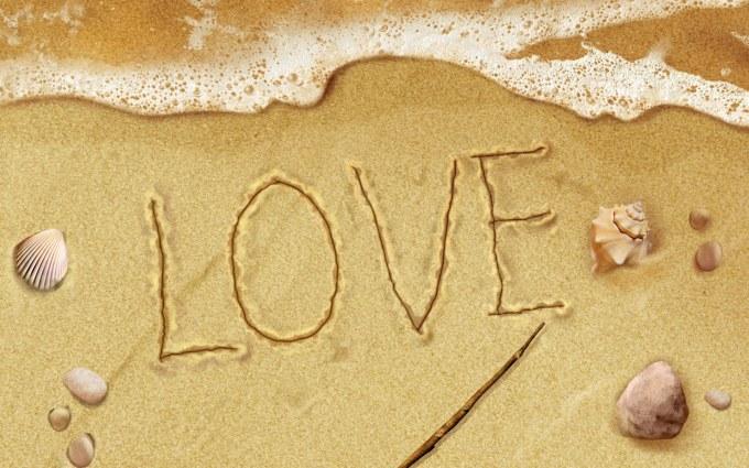 Tình yêu trên cát